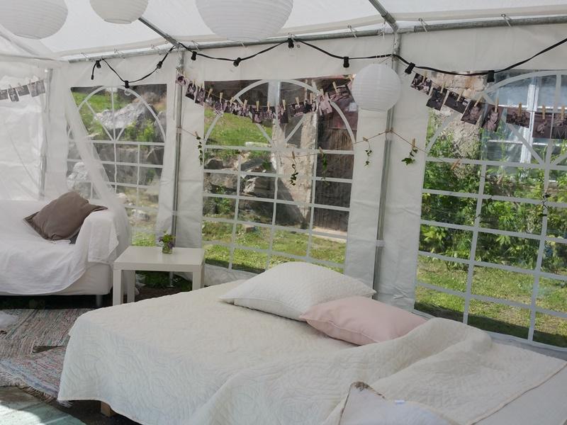 Bröllop Frägsta Hälsingegård-tält inredning