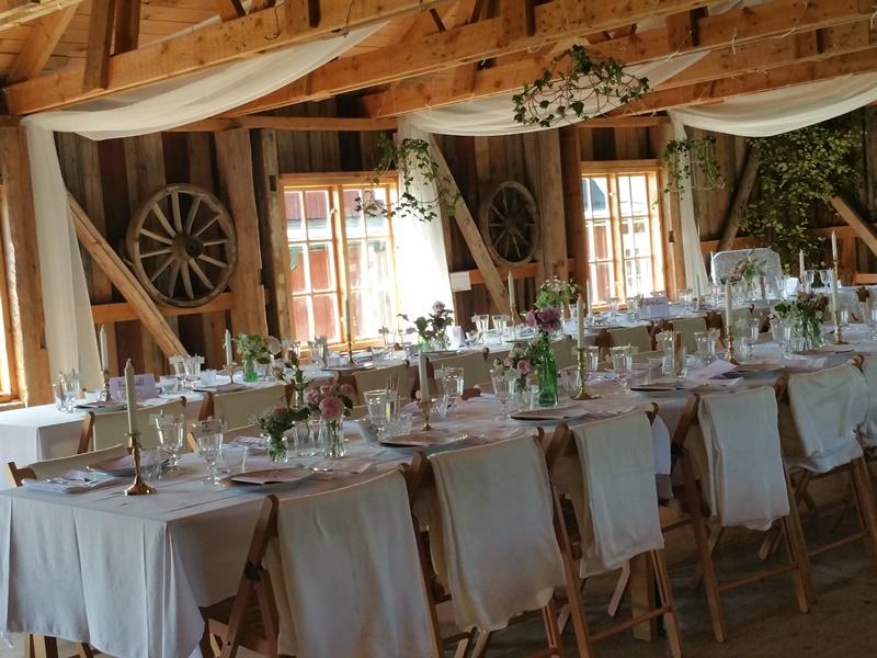 Bröllop Frägsta Hälsingegård-dukning