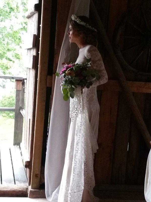 Frägsta Hälsingegård bröllop - Bruden väntar......